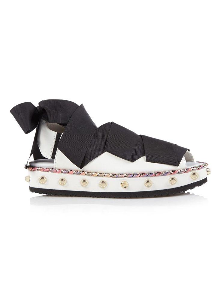 Sandaal van kalfsleer met studs en lint attilio giusti leombruni