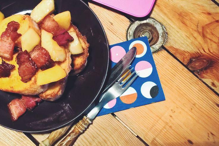 Francuskie tosty z bekonem i karmelizowanymi jabłkami / Maleństwo Bloguje