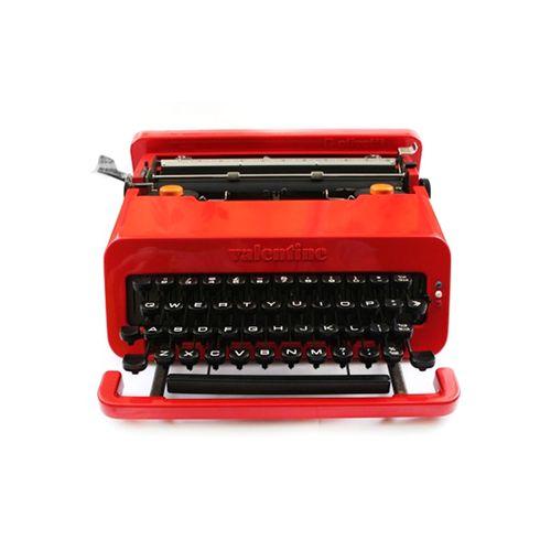 http://jnrlstr.com/make/olivetti-valentine-typewriter ///