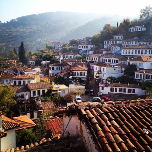 Güneşi özledik mi? #şehirnotları #şirince (at Sirince Evleri)