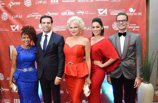 Roberto Ángel Salcedo presenta en gala premiere película «Mi Suegra y Yo»