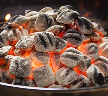 How to: light the coals        Get fired up! Your guide to lighting up Kingsford® Charcoal with a chimney, lighter or just a match!