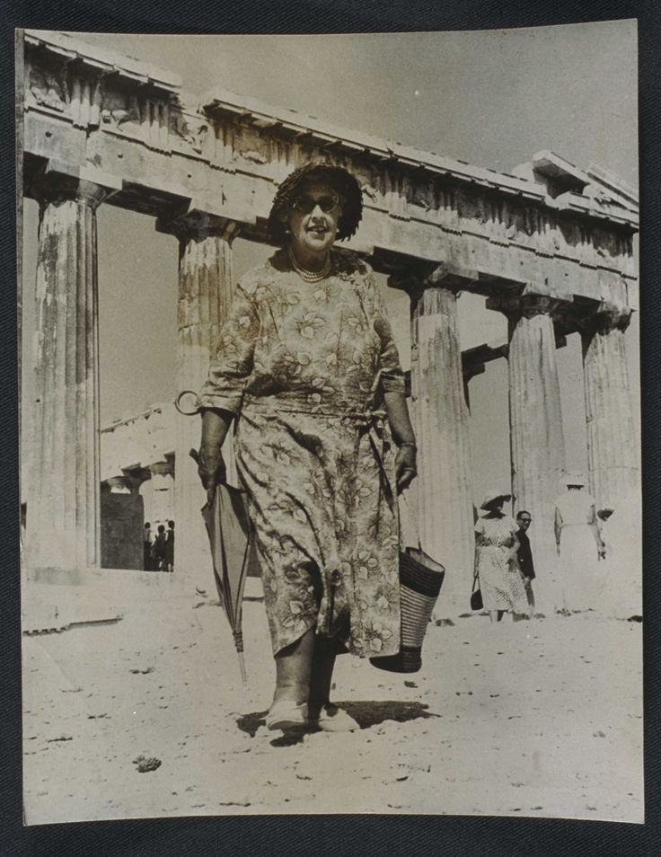 Agatha Christie en la Acrópolis