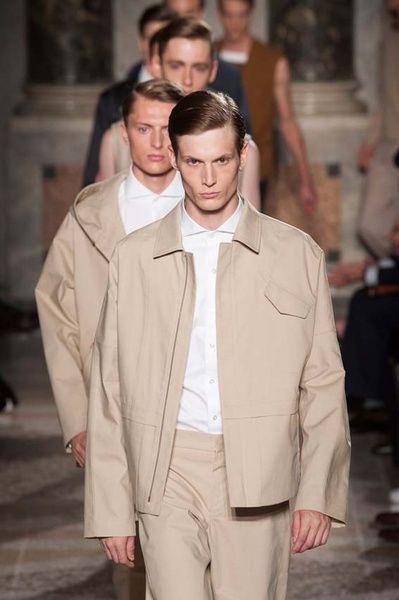 MMU S/S 2015 - Ports 1961 See all fashion show at: http://www.bookmoda.com/?p=17098 #summer #SS #catwalk #fashionshow #menswear #man #fashion #style #look #collection #milan #fashionweek #ports1961 @ports1961