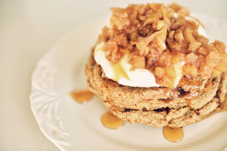 Disassemble Dublin: Easy vegan pancakes with spiced apple topping