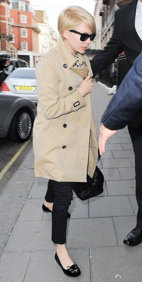 Michelle Williams: arrived at London