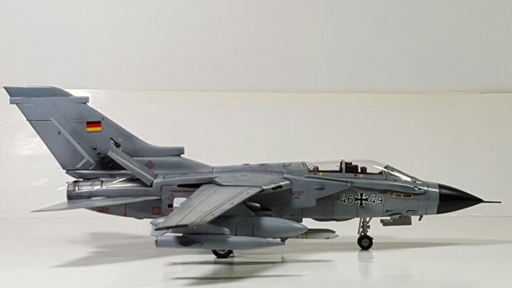 Tornado ECR 1/72 Italeri