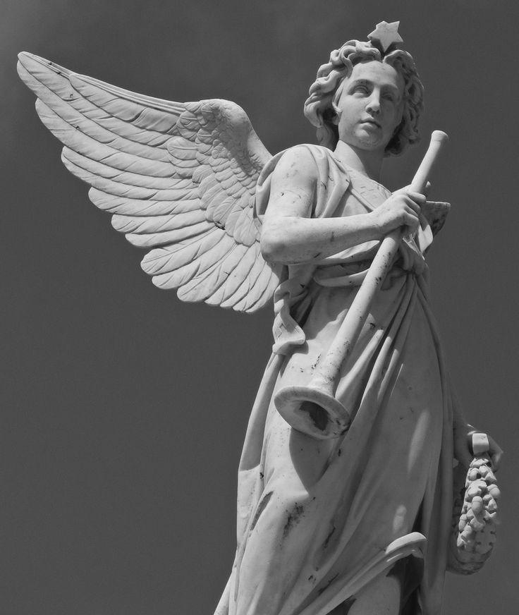 Angelo dello scultore Costantini nel Monumento a Mariano Stabile | Cimitero di Santa Maria di Gesù