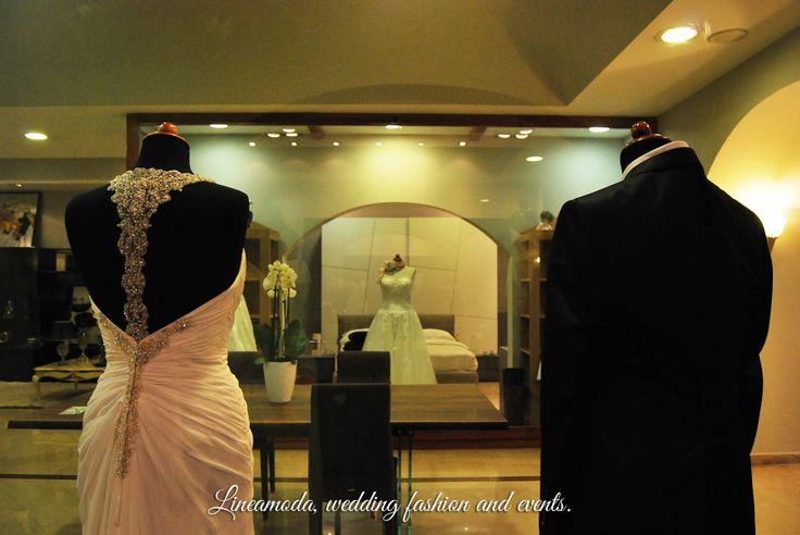 Abiti da sposa e da sposo, Evento Petrillo in White 2014. Wedding dress for bride and groom, Event Petrillo in White 2014.