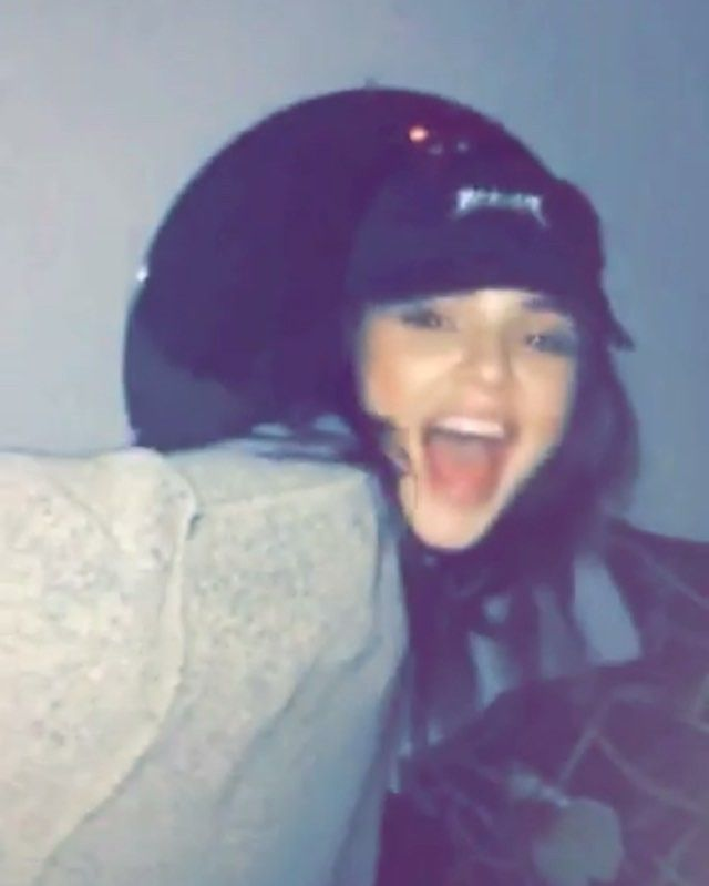 @kendalljenner dancing to Kylie #kendalljennersnapchat || kylizzlemynizzl