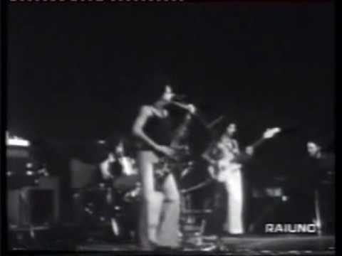 Live rarissimo del 1975 della prima formazione dei Napoli Centrale.