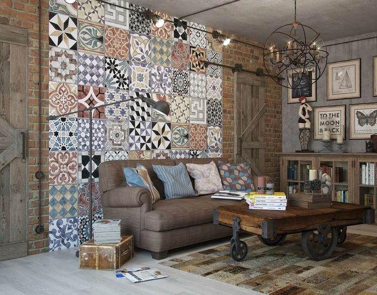 table basse industrielle, canapé droit, tapis patchwork, brique de parement rouge et suspension design