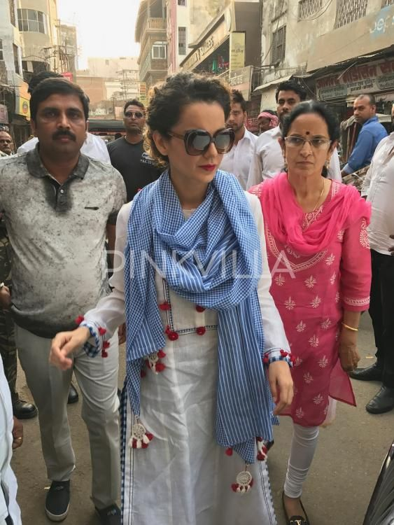 EXCLUSIVE: Kangana Ranaut heads to Kashi Vishwanath Temple to seek blessings for Manikarnika