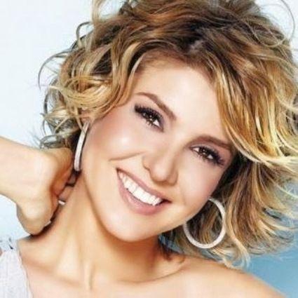 Ünlülerin Saç Modelleri: Gülben Ergen saç modelleri   Ünlülerin Saç Modelleri   Scoop.it