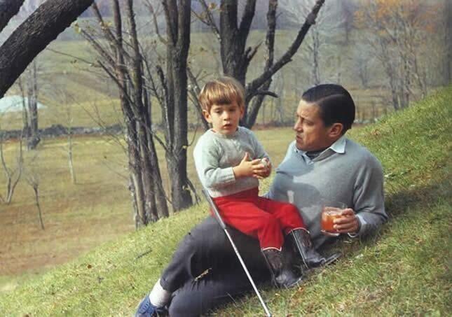 Ben Bradlee with JFK Jr. nov. 10, 1964