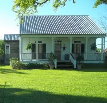 Acadian Style Cabins | ... pretty area with lots of traditional acadian style homes and cypress
