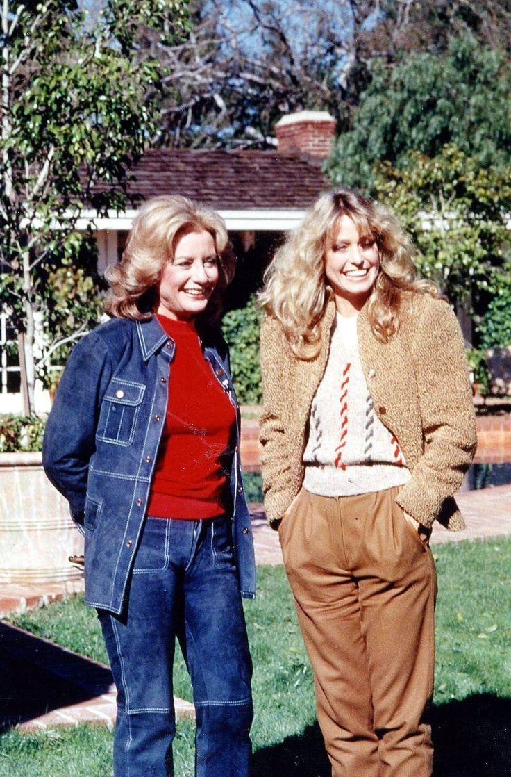 Farrah Fawcett and Barbara Walters outside Fawcett's home ...