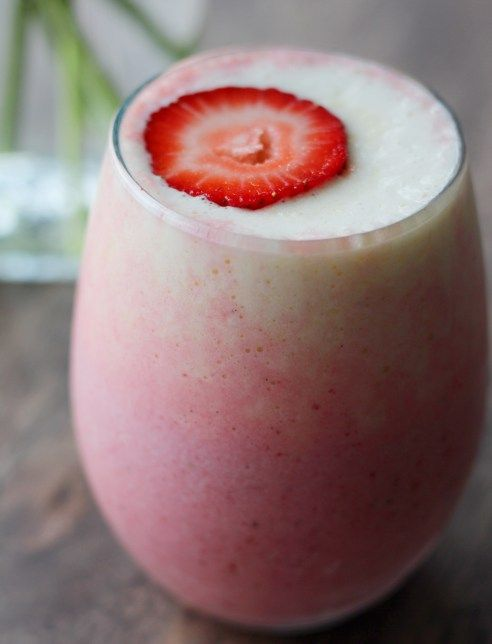 Delicious Strawberry Pineapple Smoothie Recipe! << SimplyJandK