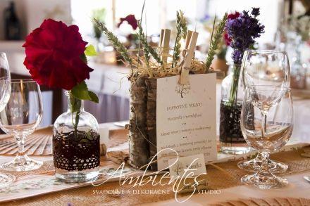 Pripravujete sa na svoj veľký deň, ale vaše požiadavky na svadobnú výzdobu sa odkláňajú od tradícií? Svadobné a dekoračné štúdio AMBIENTES vytvorí svadobnú výzdobu, ktorá vyhovie aj netradičným požiadavkám klientov a urobí vašu svadbu skutočne výnimočnou. Ak obľubujete prírodu a všetko, čo je s ňou spojené, máme tu pre vás skutočnú lahôdku – je ňou svadobná výzdoba inšpirovaná krásou prírody.