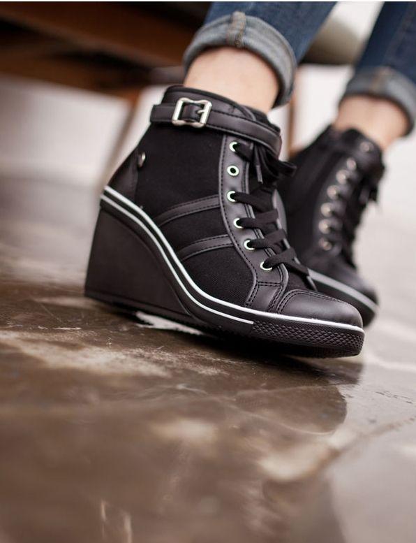 Sneaker style Wedge