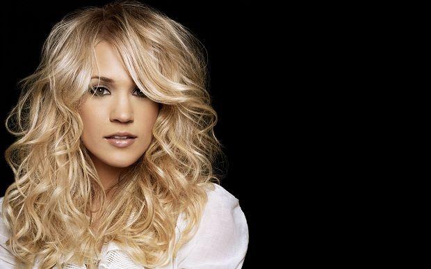 Кэрри Андервуд оказалась на вершине «American Idol 2013» от Forbes http://muzgazeta.com/pop/20143716/forbes-prisvoil-kerri-andervud-zvanie-american-idol-2013.html