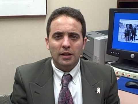 Alvaro Moreno Aspitia, M.D., oncologo de Mayo Clinic en Jacksonville, FL, nos informa acerca del cáncer de mama y los tratamientos apropiados como la cirugía, la quimioterapia, radioterapia o la terapia hormonal adyuvante.