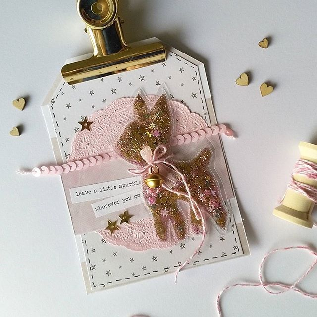 Gold and pink are the best ⭐❤ i just love my fusetool by @wermemorykeepers This big gifttag can be also used as postcard and is my entry for the @pinkandpapershop challenge #ppchallenge2  #happymailday #happymail #snailmailer #sendmoremail #postcrossing #gifttag #photosleevefuse #fusetool #shaker #glitter #sequins #deer #gold #pink #doilies