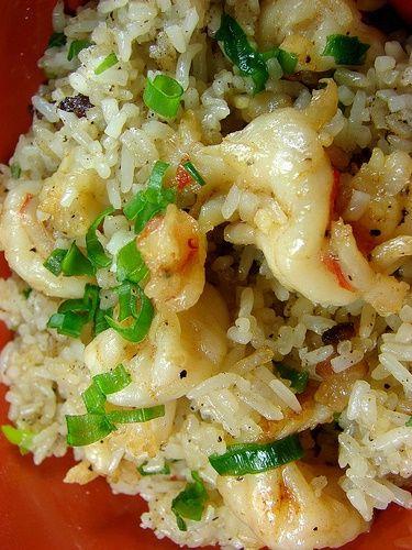 Arroz al Ajillo (Garlic Rice with Shrimp)