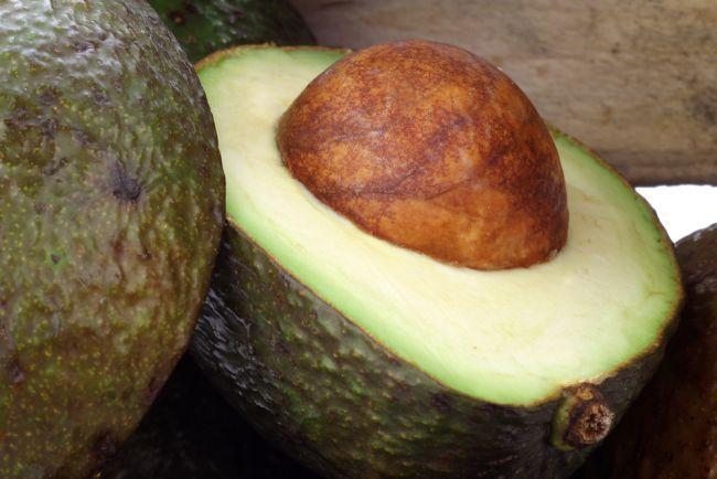 Mancare mai gustoasa - afla cum sa alegi un avocado bun - www.foodstory.ro