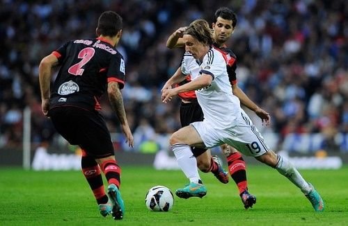 Watch Celta de Vigo vs Real Madrid live football match streaming online for free on various broadcasters and television channels network. Get full list here.