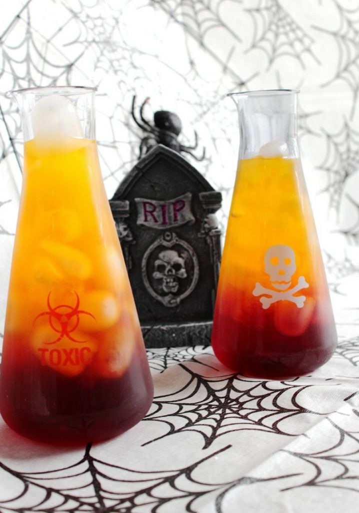 Might have to serve these Friday night! Spooky Halloween Drink: Toxic Tonic | Lady and the Blog