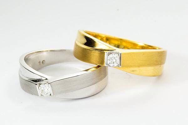 Gold vs whitegold couple ring