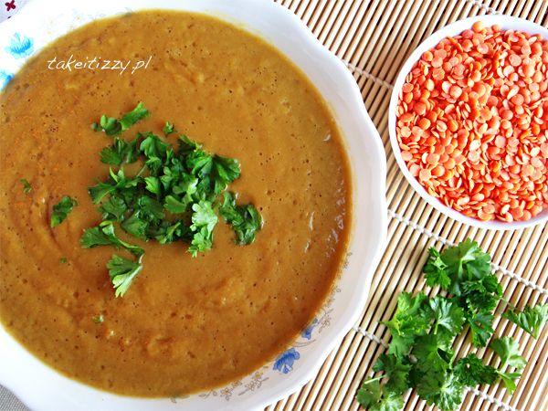 Uwielbiam zupy w postaci kremów, a ten z soczewicy lubię wyjątkowo ze względu na wspaniały smak, jak też wartości odżywcze.