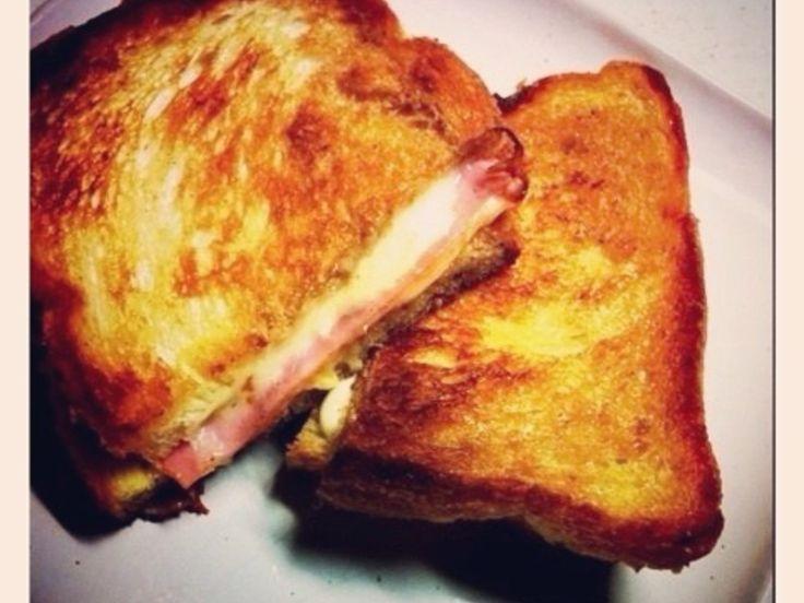 映画 プラダを着た悪魔の中で登場する、彼氏が作ってくれるおいしそうなサンドイッチの再現レシピです☆サンドイッチより、ホットサンドより、このグリルサンドの美味しさを知りました☆