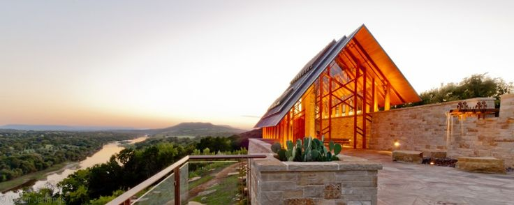 chapel at rio roca ranch by maurice jennings + walter jennings architecture. palo pinto county, texas, usa.