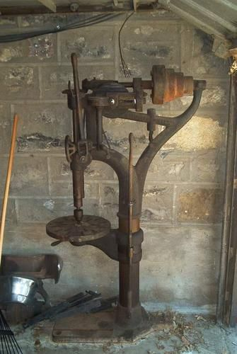 Photo Index - W. F. & John Barnes Co. - Floor model Drill Press | VintageMachinery.org