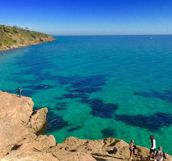 Turquoise waters at the Pillars, Mount Martha. Mornington Peninsula, Victoria, Australia. Photo: BeachMatt
