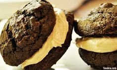 BarraDoce.com.br - Receita: Whoopie de Chocolate com Recheio de Buttercream de Caramelo