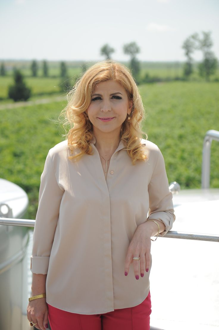 Sunny day in the winery. Aurelia Visinescu at Domeniile Sahateni winery.