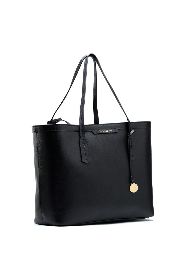 Saffiano leather bag. #lautrechose #workstyle #fashion #officestyle #workwardrobe #bags #ss15 #black #leather #saffiano