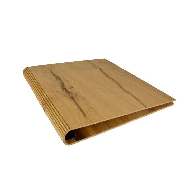 Der formschöne, edle Tornister aus geöltem Buchenholz bietet optimalen Schutz für Ihr Notebook oder Tablet. Natürlich lassen sich auch Dokumente sicher darin verstauen. Die Vorderseitelässt sich zur komfortableren Bedienung abklappen. Der ledergefütterte Innenraum ist so gut erreichbar. Ein breiter Schultergurt aus Spaltleder bietet angenehmen Tragekomfort. Innenmaße:Breite 304mm, Höhe 318mm, Tiefe 48mm Aussenmaße:Breite 334mm, Höhe 330mm, …