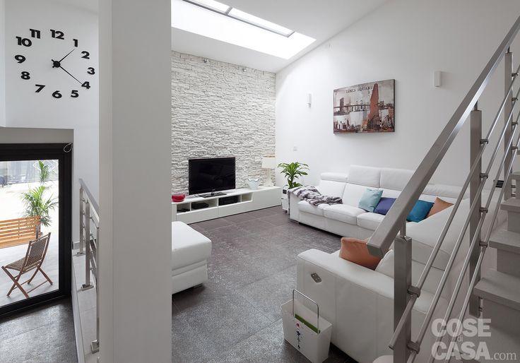 Una casa di 171 mq su tre livelli, dal piano terra al sottotetto, con soluzioni tecnologiche in grado di aumentare prestazioni e comodità.