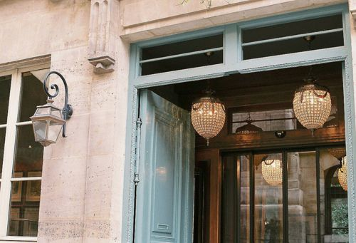 Pretty doorPendants Lamps, The Doors, Lights Fixtures, Blue Doors, Mi Casa, Tiffany Blue, Lanterns, Entrance, Doors Colors