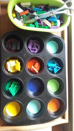 Thema Farben 1   Lerntabletts  oder Aktionstabletts  gewinnen in der Krippe  und im Kindergarten immer mehr an Beliebtheit.   Die Aktionst...