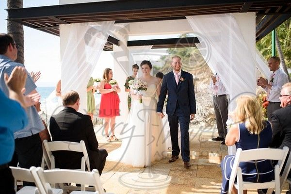 Whether you are looking for an exciting wedding ,a romantic tropical beach location, in a romantic jungle or an enchanting castle, our experienced destination wedding travel agents promise to make your wedding day a day to remember.
