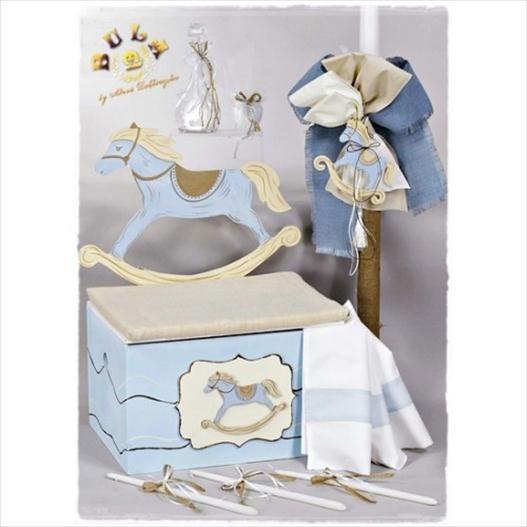 Το πακέτο περιλαβμάνει:  Ξύλινο κουτί βάπτισης καρουζέλ,ζωγραφισμένο στο χέρι Λαμπάδα με ξύλινο διακοσμητικό,ζωγραφισμένο στο χέρι Σετ λαδόπανα(περιέχει: πετσέτες,σεντόνι,εσώρουχα) Μπουκαλάκι Σαπουνάκι 3 κεράκια κολυμπήθρας Διαβάστε περισσότερα: http://www.oraxaras.com/