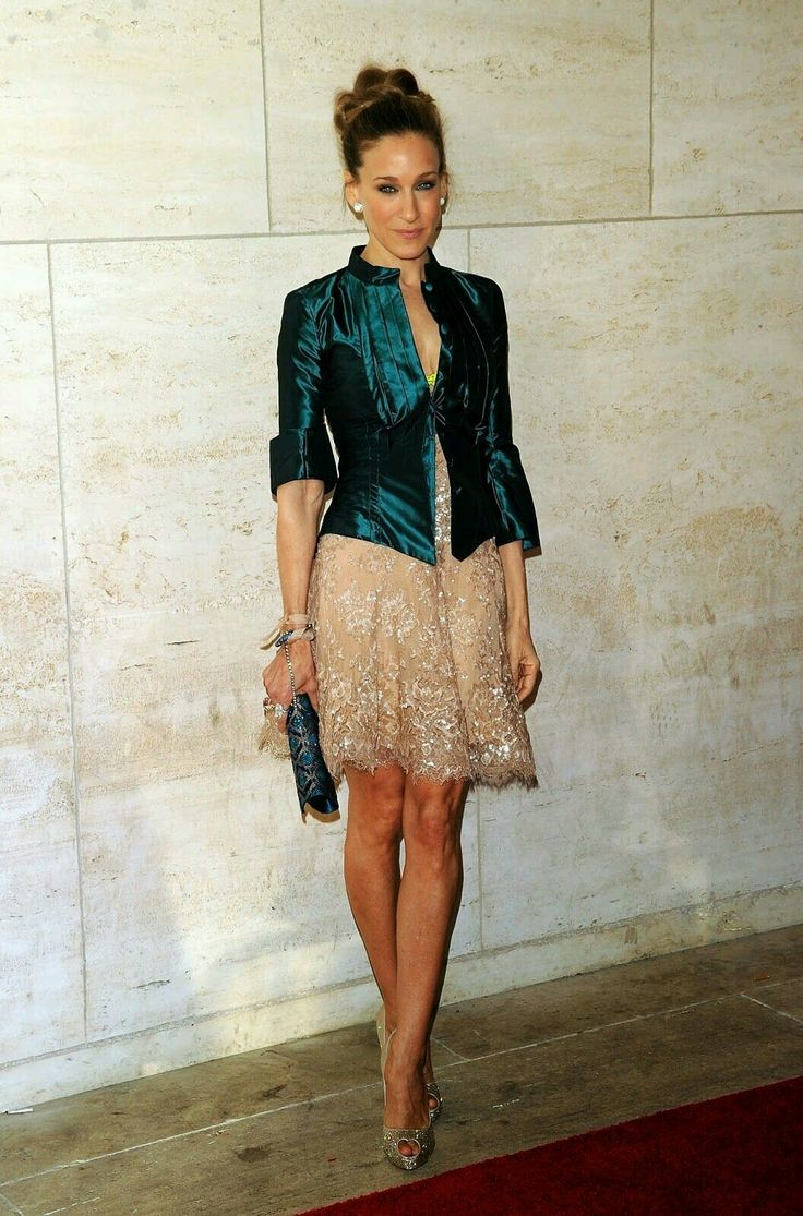 blue jacket + lace dress + earrings /Sarah Jessica Parker