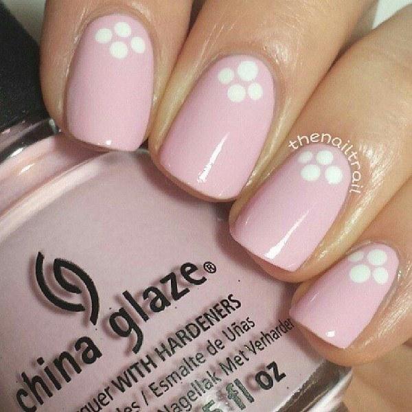 diseño de uñas rosa con puntos                                                                                                                                                      Más