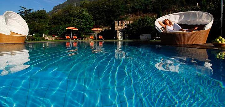 Schwimmbad im Hotel Lindenhof