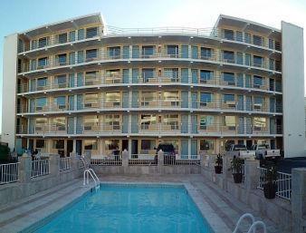 hotels=Howard-Johnson-Virginia-Beach-At-the-Beach-Pool(5 of 5)